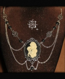 collier Santa Muerte