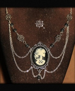 collier Camée Lady Death