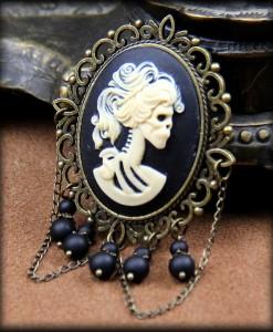 broche Camée Lady Death