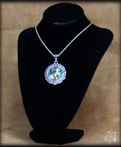 pendentif La Femme Byzantine de Mucha