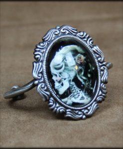 Bracelet torque cabochon lady death