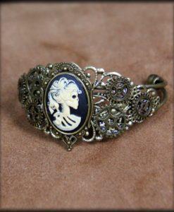 bracelet camée lady death