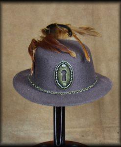 mini chapeau pendule
